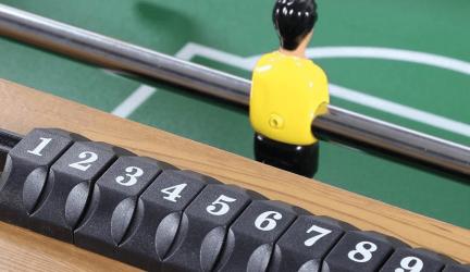 Tafelvoetbalspel klein, groot en mini en inklapbaar